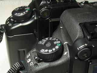 EOS7sとEOS7の比較(左肩)[PowerShot A70]
