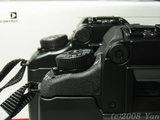 EOS7sとEOS7の視度調整ダイヤルのずれ[PowerShot A70]