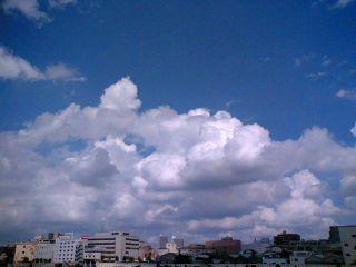でっかい雲[nudio]