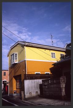 ツー・トーンの家[KLASSE S, F16, 1/125, RA III]