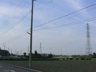 鉄塔のある典型的風景[PowerShot A70]